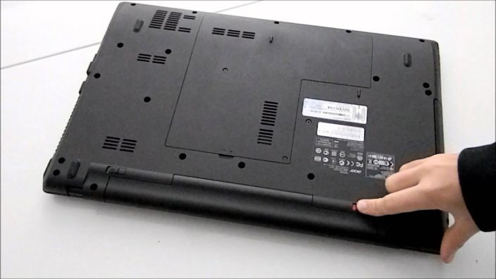 remove battery of a laptop, removal process for battery laptop,best way to remove the laptop battery